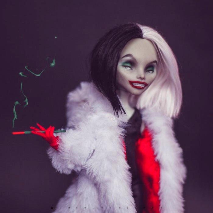 Artista rusa Arty Ooak Dolls tranforma muñecas Monster High en personajes de caricaturas y películas; Cruella de Vil, 101 dálmatas