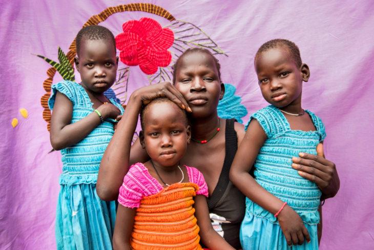 Sudán prohíbe la ablación femenina; mujeres y niñas sudanesas