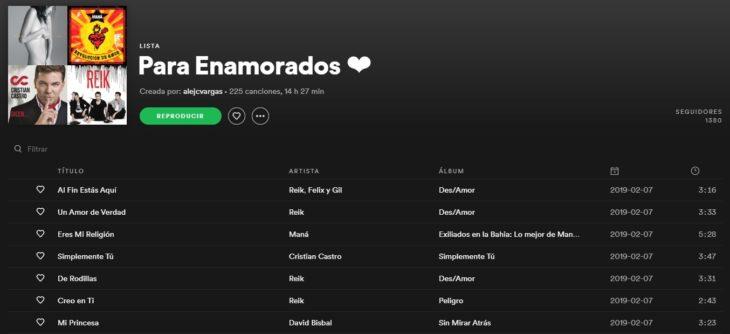Lista de reproducción en Spotify llamada Para enamorados