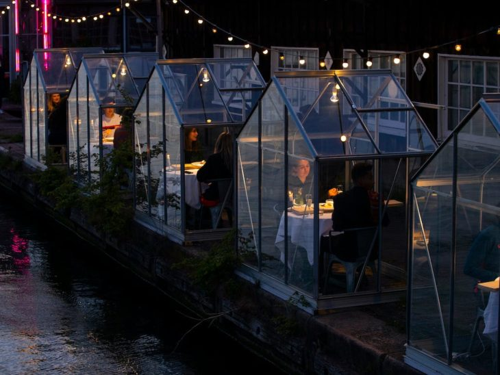 Casitas invernadero en Restaurante Mediatic ETEN