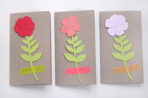 Tarjeta Dís de las Mdres con rosas de papel