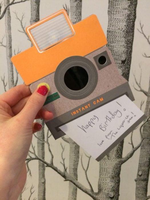 Tarjeta del Día de las Madres con diseño de cámara de fotos