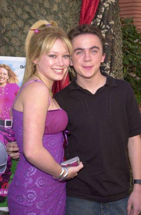 Hilary Duff y Frankie Muniz en el estreno de agente Cody