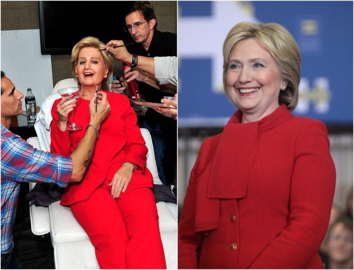 Katy Perry disfrazada como Hillary Clinton con traje sastre rojo y cabello corto en tono rubio