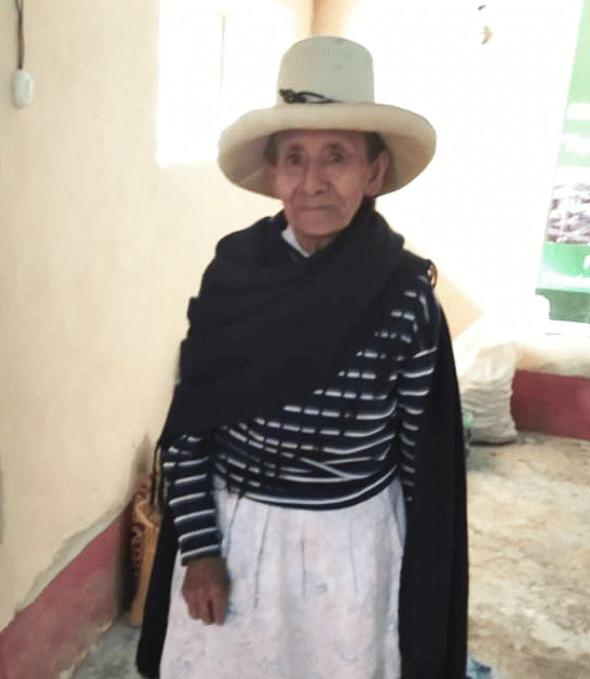 Albertina Flores, ancianita que donó sus cosechas