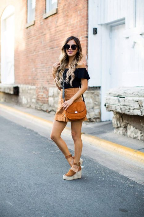 Outfit with espadrilles and colored miniskirt