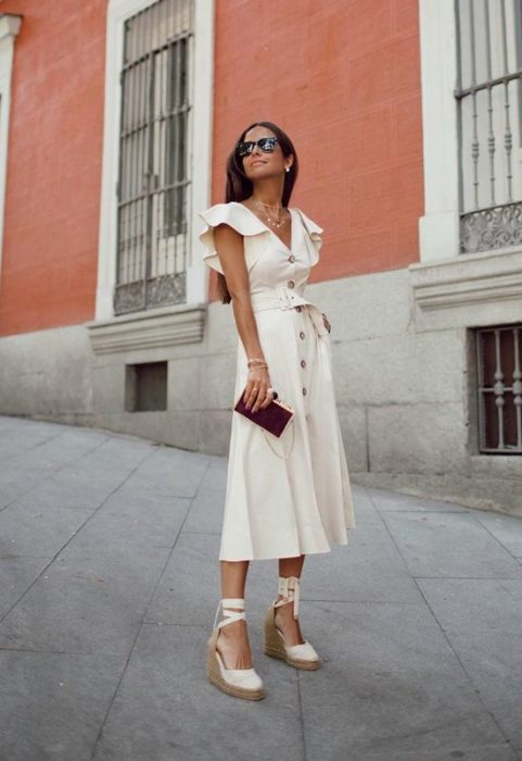 Outfit con alpargatas vestido de manta