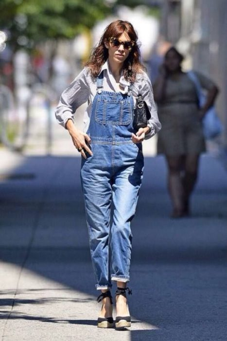 Outfit with espadrilles with overalls