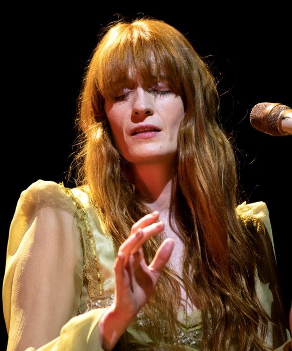 Famosas que no han cambiado su estilo de cabello; Florence Welch