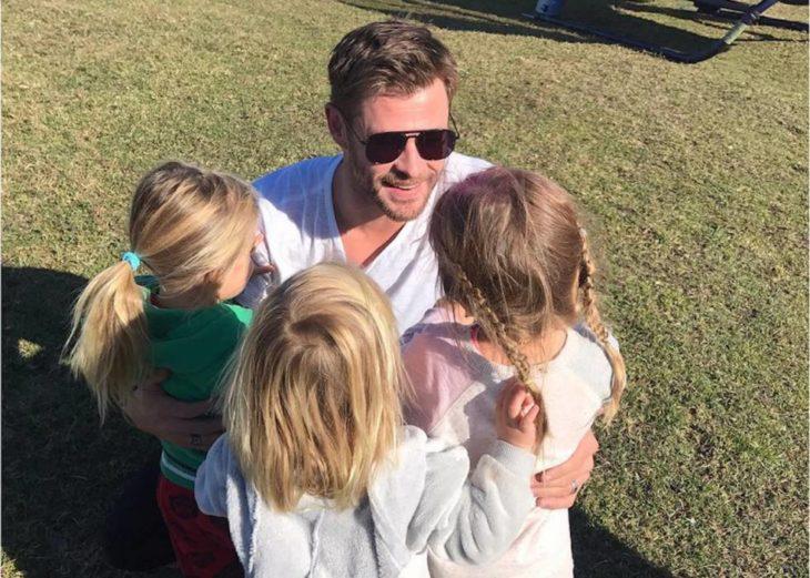 Chris Hemsworth con sus tres hijos