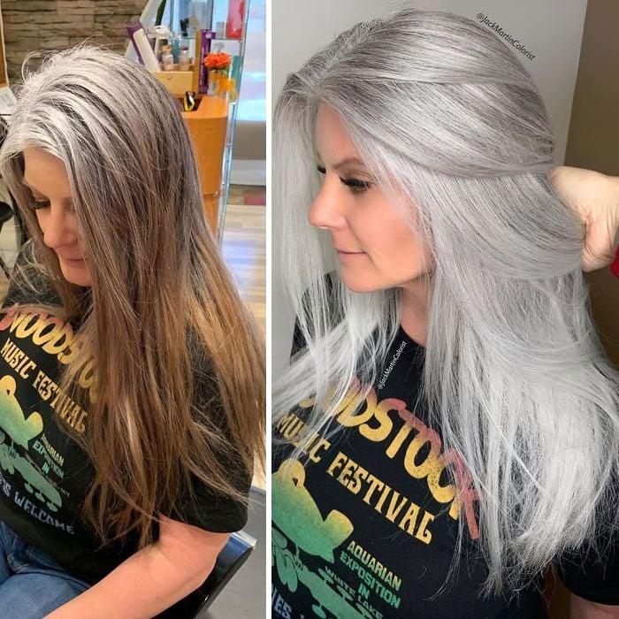 Chica con cabello teñido en tono gris plata y destellos dorados