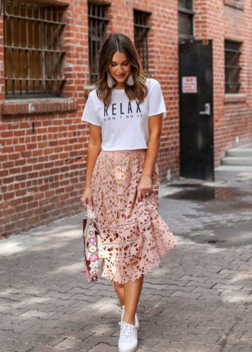 Summer skirt in pale pink lace type