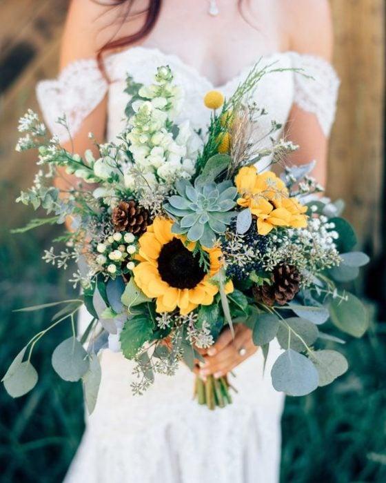 Ramo de novia con girasoles