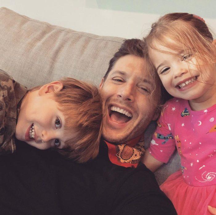 Jensen Ackles con dos de sus hijos