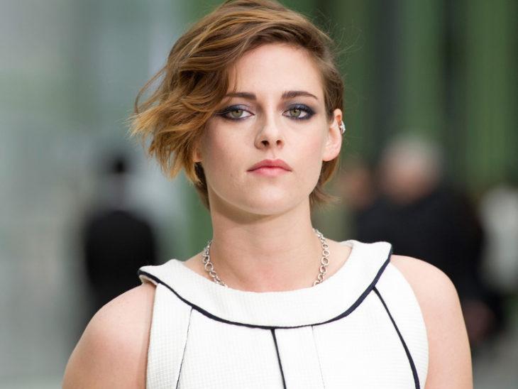 Kristen Stewart con vestido blanco