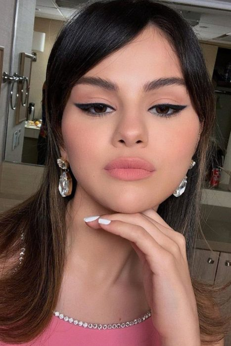Selena Gomez wearing pink lipstick