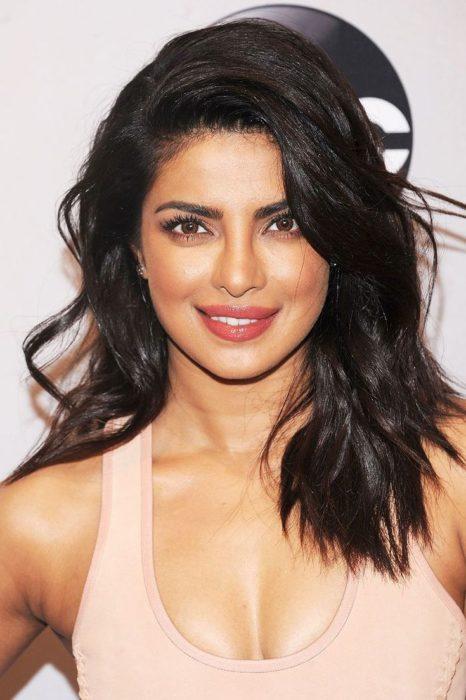Priyanka Chopra wearing pink lipstick