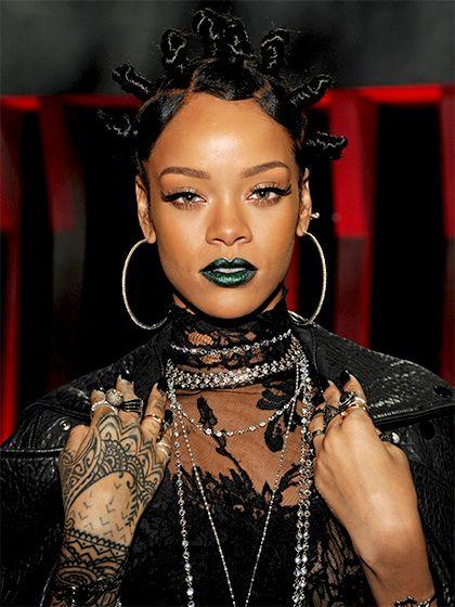 Rihanna con labial verde