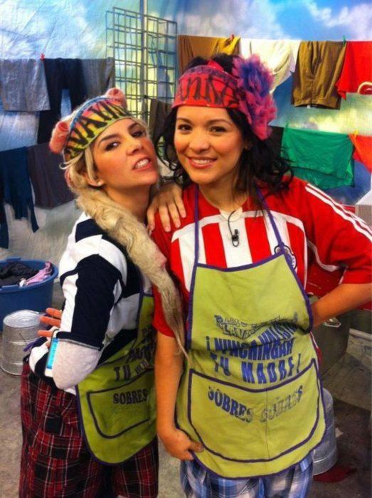 Karla Panini y Karla Luna caracterizadas como las Lavanderas