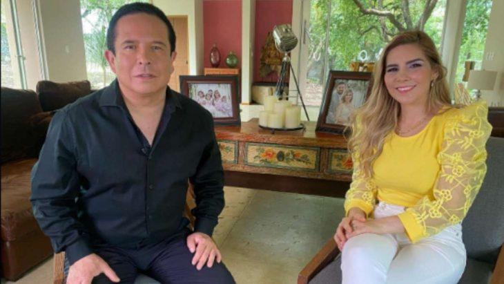 Gustavo Adolfo Infante y Karla Panini durante una entrevista