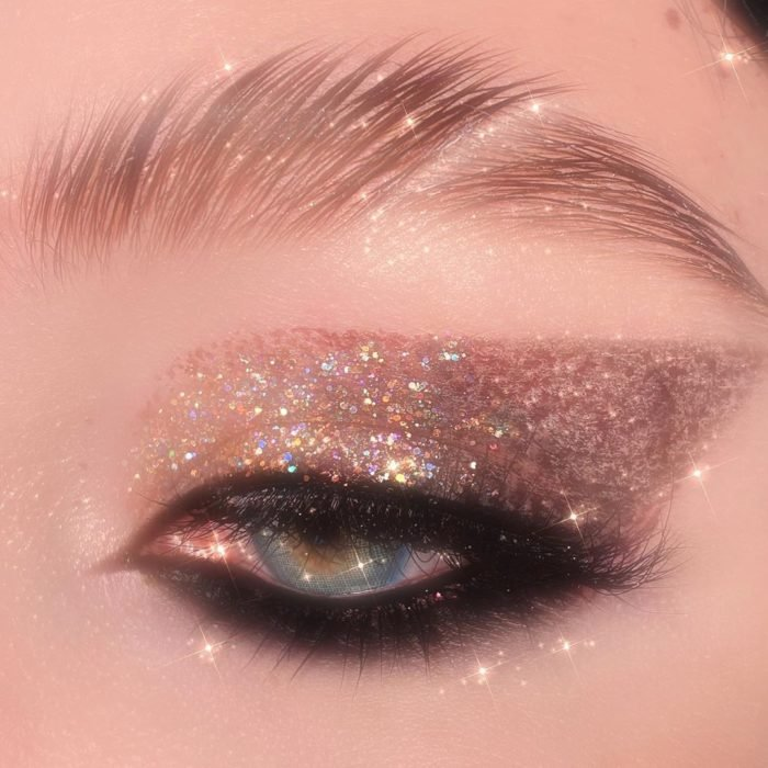 Eye makeup with shiny bronze shades