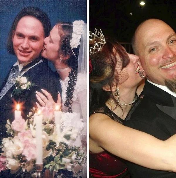Pareja replicando su primera foto de casados llevando un vestido blanco con velo largo y un traje negro