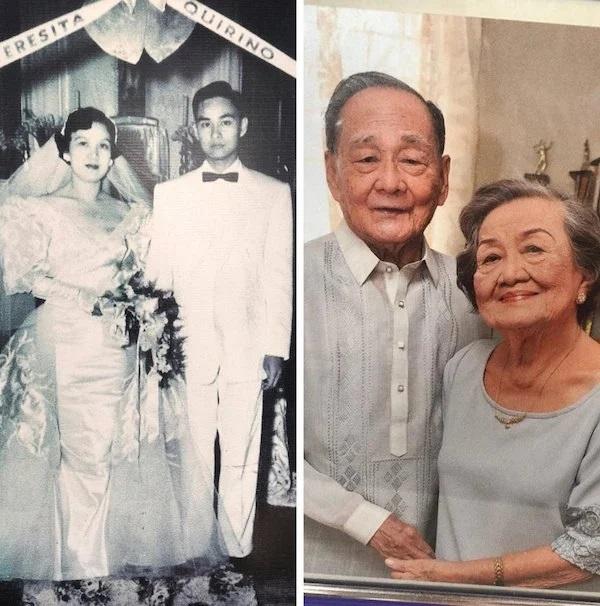Pareja de esposos replicando una foto de su juventud recién casados llevando ropa a juego en tonos grises, tomados de la mano y sonriendo