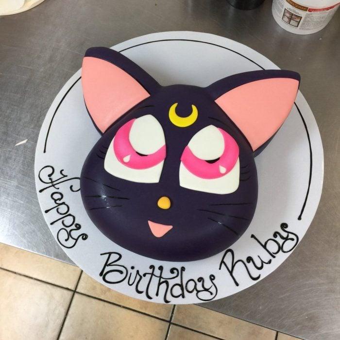 Pastel de Sailor Moon del gatito Luna
