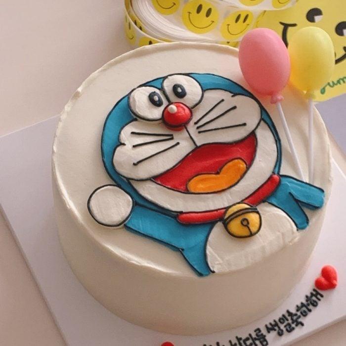 Pastel de cumpleaños kawaii de Doraemon