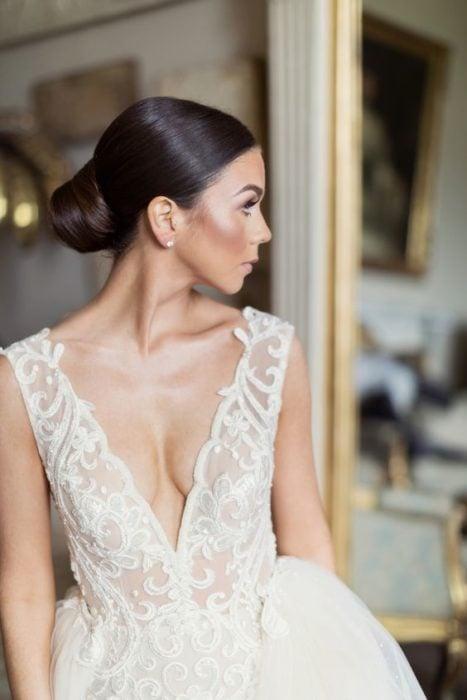 Polished bridal updo without headdress