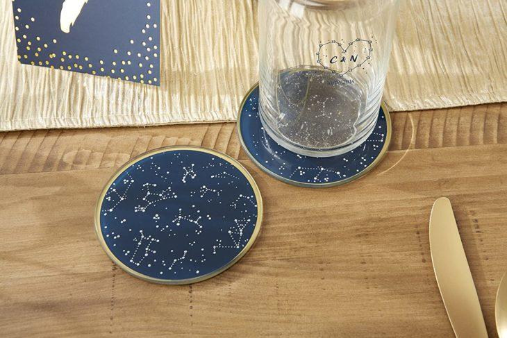 Porta vasos con diseño de constelaciones