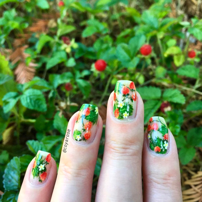 Flower manicure; strawberry nails