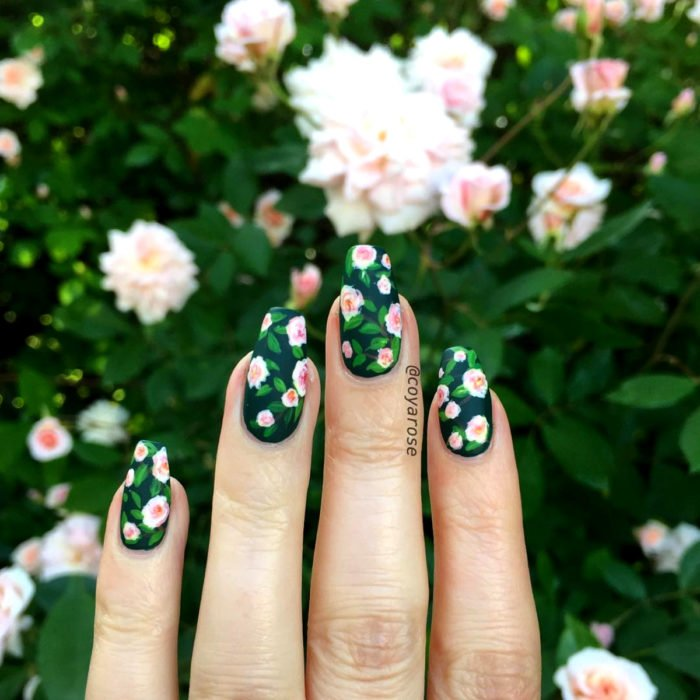 Flower manicure; Cécile Brunner rose nails