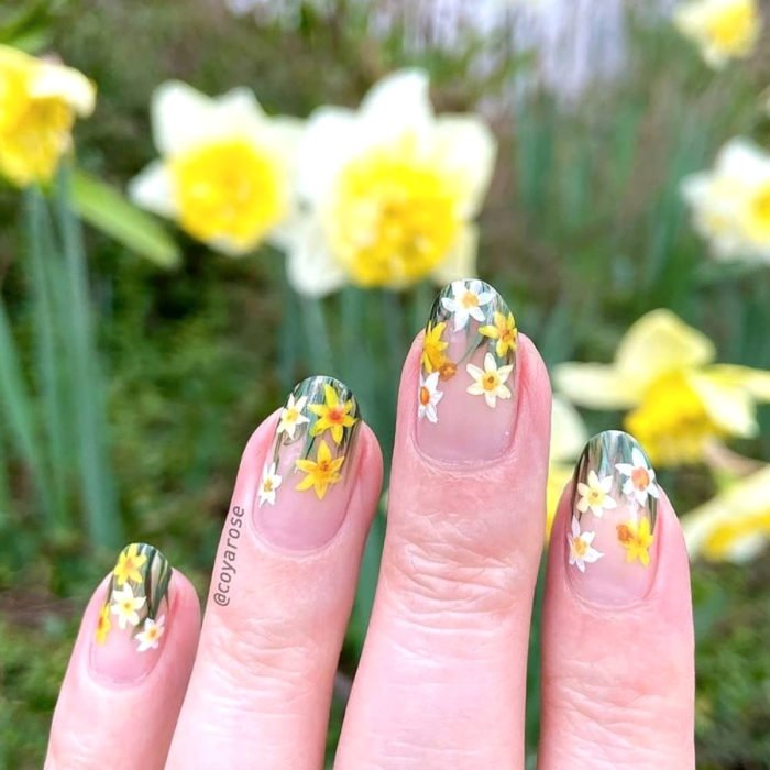 Flower manicure; White and Yellow Daffodil Nails