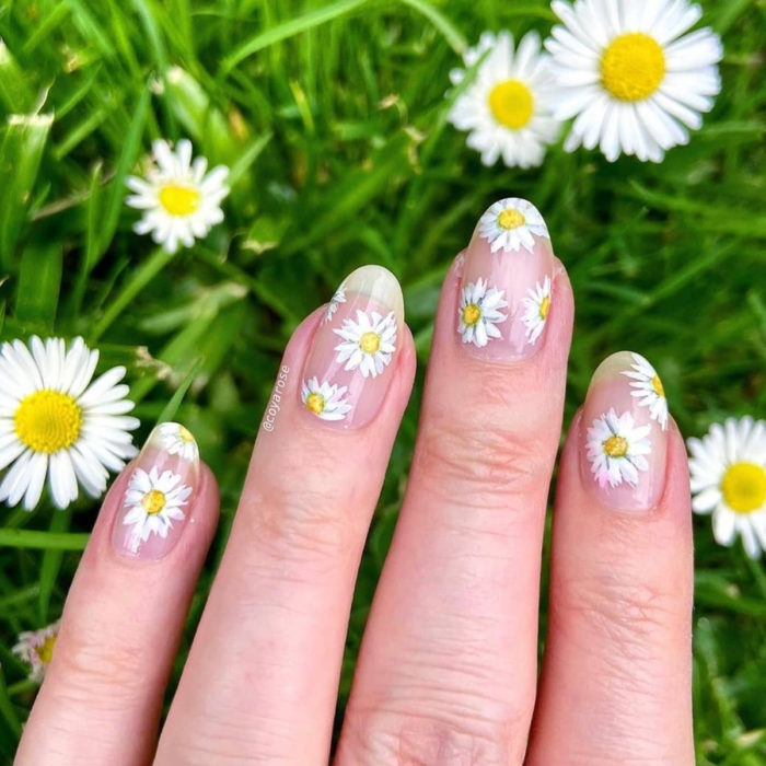 Flower manicure; white daisy nails