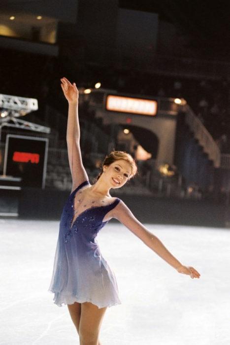 Chica patinadora de hielo de la película Ice princess