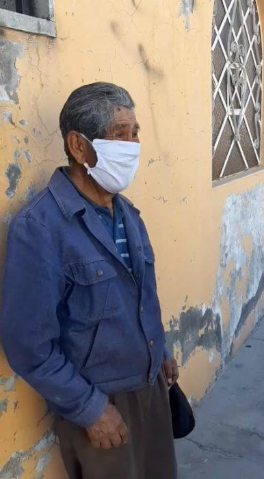 Zacarías, abuelito de 78 años que fue estafado