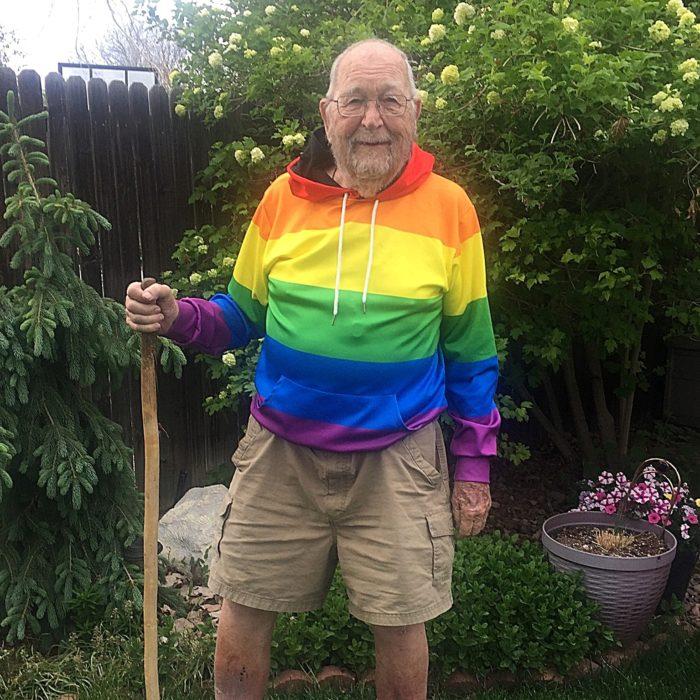 kenneth felts un abuelito de 92 años que salió el clóset
