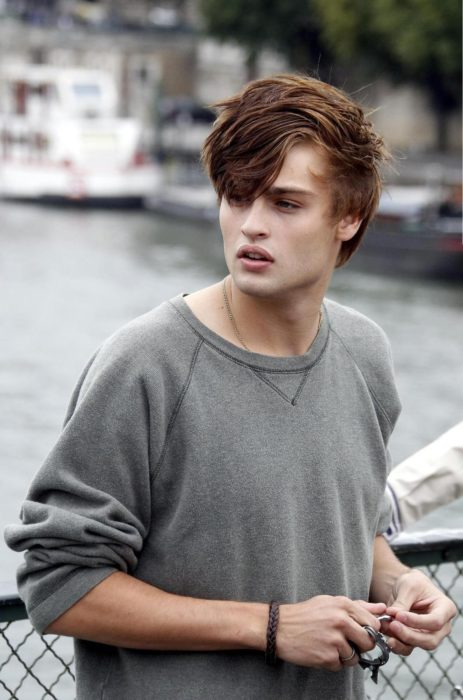 Kyle Ross en LOL, Douglas Booth