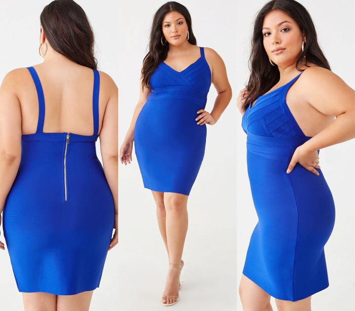 chica curvy de cabello castaño largo usando un vestido ajustado color azul con tirantes gruesos y cuello en V