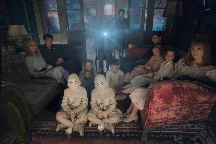 escena de pelicula el hogar de miss peregrine para niños peculiares