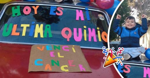Pequeño celebra el fin de su enfermedad con globos y carteles coloridos