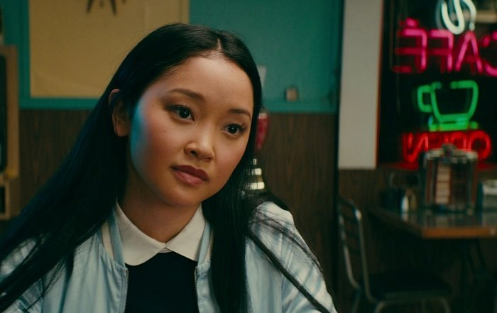 actriz lana condor como lara jean covey en to all the boys I've loved before