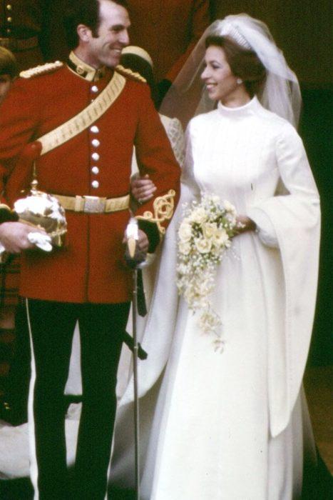 vestidos de novia, la princesa ana del reino unido el dia de su boda en 1973