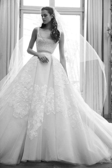 vestido de novia de eli saab inspirado en los años 50's