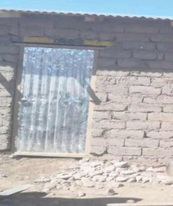 Casa que le construyeron vecinos a Melina e hijos