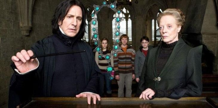 Escena de película de Harry Potter en la que aparece el profesor Snape y la profesora McGonagall
