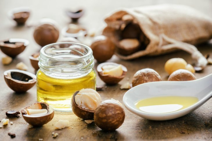 macadamia oil for hair