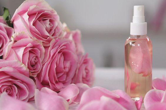 Agua de rosas para tónico facial
