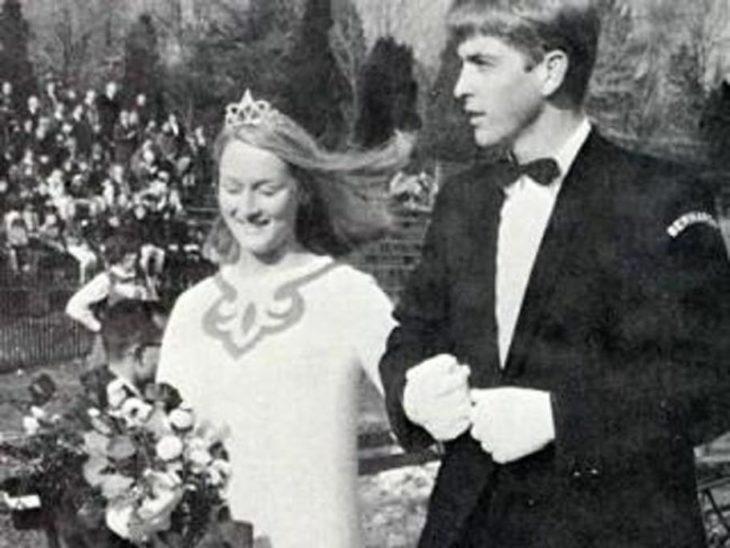 Meryl Streep dienco coronado durante su graduación